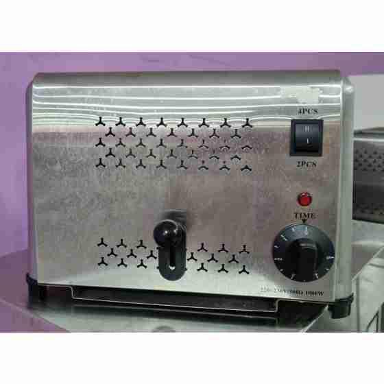 Toaster 4 fette in acciaio inox 220 V / 1.8 kw usato