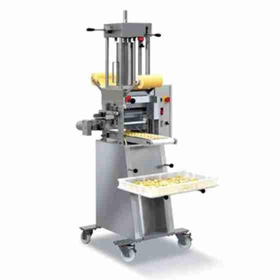 Raviolatrice con produzione ravioli 80 Kg/h