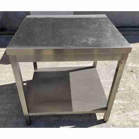 Tavolo in acciaio inox su gambe con piano di fondo profondità 700 mm 800x700 mm usato