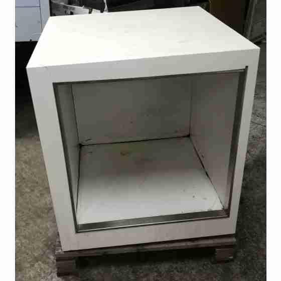 Banco cassa/raccordo angolare in corian 80x80 cm usato