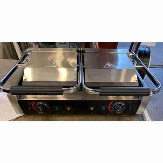 Piastra panini elettrica professionale doppia Rigata/Liscia 57x37x21h cm nuovo danneggiamento da trasporto